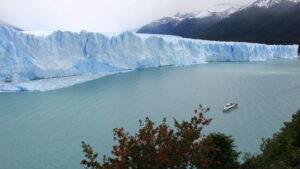 Boottocht langs de gletsjer